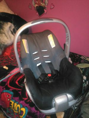 Infant carrier car seat for Sale in Fort Wayne, IN