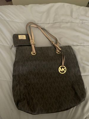 Michael Kors purse and wallet. for Sale in Colton, CA