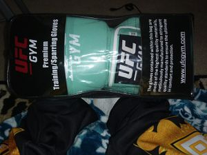 UFC gloves for Sale in Walnut Creek, CA
