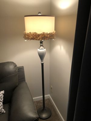 Pretty Floor Lamp. $30 for Sale in Englewood, CO
