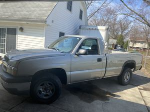 2004 Chevy Silverado 4x4 runs like new everything works! for Sale in Naperville, IL