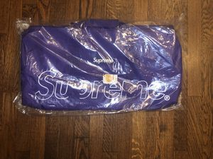 Brand new supreme duffle bag f/w18 purple for Sale in Santa Monica, CA