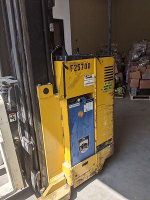 2005 Yale Standing Forklift for Sale in Chandler, AZ