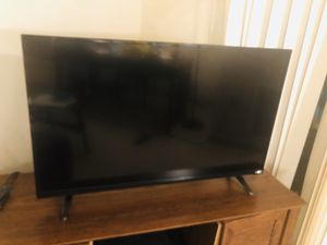 39 inch LED TV for Sale in Fitchburg, WI
