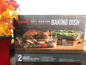 Pyrex Baking dishes with Lids 2pieces for Sale in Moreno Valley, CA