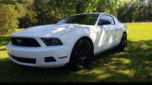 2012 ford mustang v6 305hp for Sale in Trenton, FL