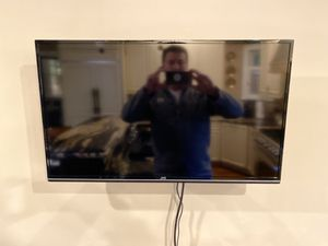 JVC 32 inch LCD TV with wall mount for Sale in Nashville, TN