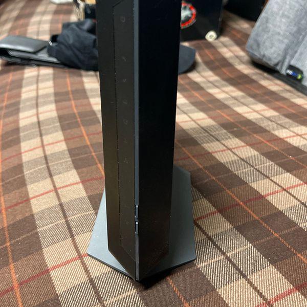 Netgear Cable Modem An Router Combo Model c7000v2