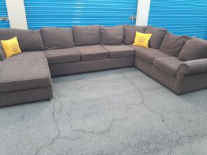Comfortable sectional couch , 3 pieces, for Sale in Phoenix, AZ