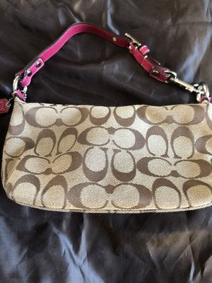 Small coach hand bag for Sale in McKeesport, PA