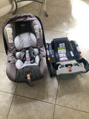 Chicco Keyfit 30 infant car seat with base for Sale in Riverview, FL