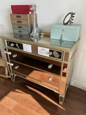 Horchow Dresser (top drawer mirror broken) for Sale in New York, NY