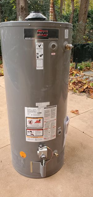 RUUD water heater 75 gallos for Sale in Manassas Park, VA
