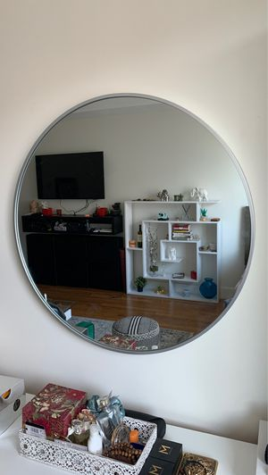 BRAND NEW: Silver Round Accent Mirror - Medium Size for Sale in Brooklyn, NY