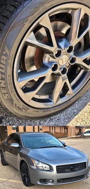 $1200 Nissan Maxima for Sale in Danville, VA