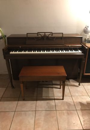 Free Upright Piano for Sale in Bethesda, MD