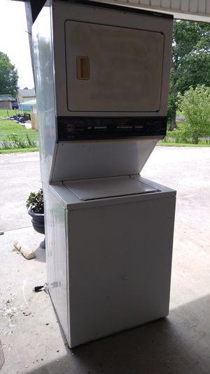 Kenmore stackable washer & gas dryer for Sale in Powell, TN