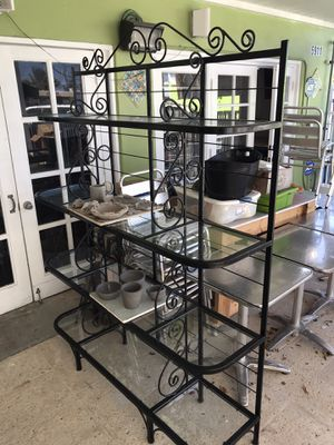 """Bakers rack 5 feet long 80"""" tall glass shelves 17"""" deep excellent condition for Sale in West Palm Beach, FL"""