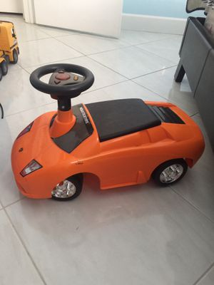 Kids ride-on car toy for Sale in Pompano Beach, FL
