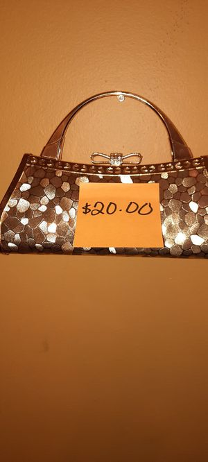 WOMEN'S GOLD SEQUENCE CLUTCH for Sale in Riverdale, GA