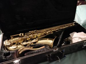 Yamaha YTS-52 Tenor Saxophone for Sale in Wilsonville, OR