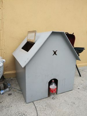 Dog/Cat house..2 floors..or trade for Sale in Lynwood, CA