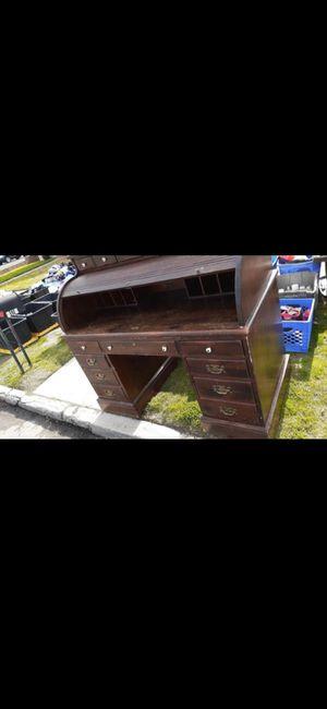 Desk for Sale in Colton, CA