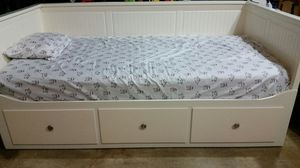 Daybed frame with 3 drawers for Sale in Seattle, WA