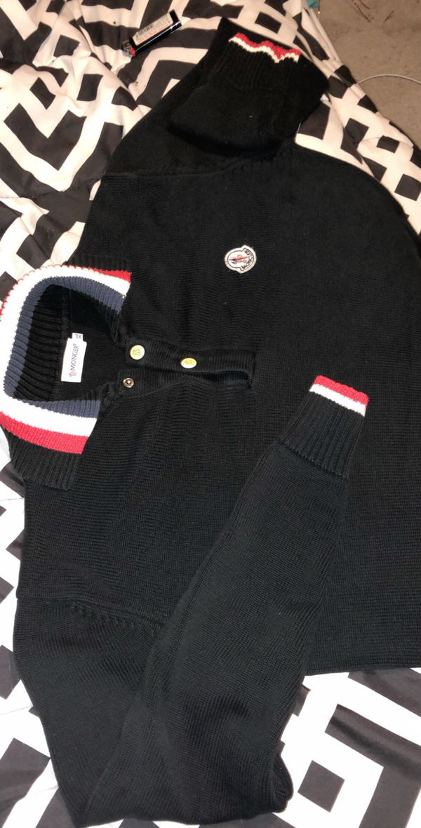 Vintage Moncler Sweater Xl fits like a large