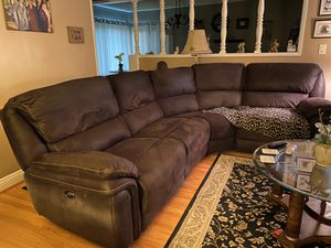 NORFOLK / With 3 power recliners/ Size and Dimensions 13x25x42 for Sale in Pasadena, CA
