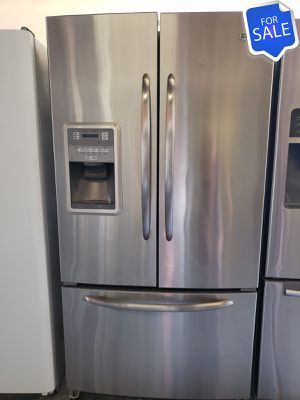 😍😍Refrigerator Fridge Maytag 36in Wide Works Perfect #1453😍😍 for Sale in Riverside, CA