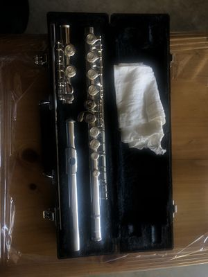 Yamaha Flute & Case for Sale in Los Angeles, CA