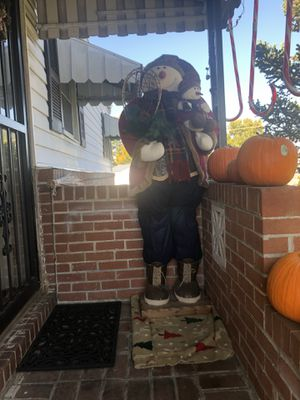Santa clause life size decoration height 5'4 for Sale in Oxon Hill, MD