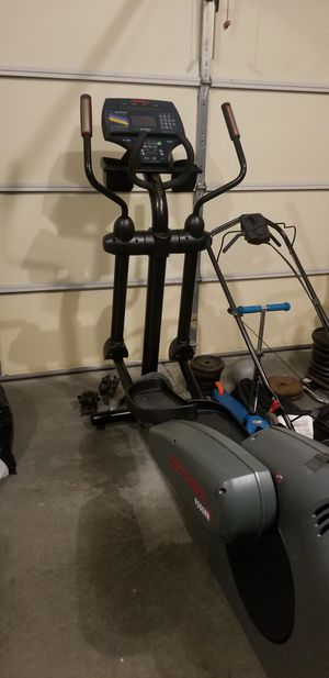 Commercial Grade Life Fitness 9500 HR Elliptical for Sale in Midlothian, VA
