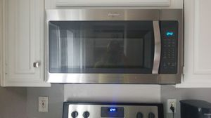Whirlpool Stainless Steel Refrigerator and OTR Microwave for Sale in Dallas, TX