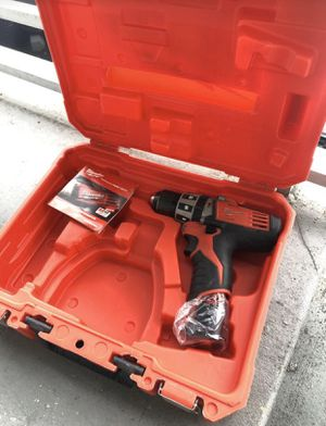 Milwaukee M12 Drill 2411-22 for Sale in Hialeah, FL