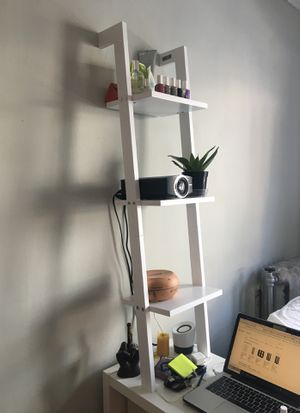 White ladder shelf for Sale in Chicago, IL