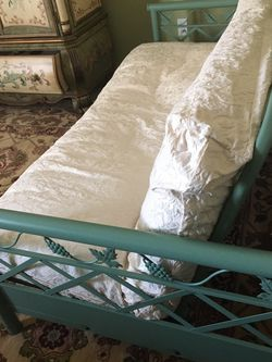 Futon for Sale in Orlando,  FL
