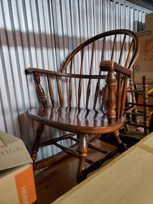 antique great condition rocking chair for Sale in Lake Shore, MD