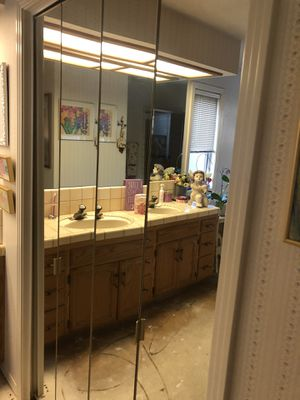 MIRRORED CLOSET DOORS for Sale in Fresno, CA
