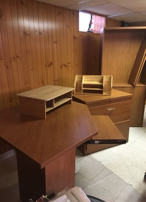 Office furniture, 3 pieces plus trays for Sale in Detroit, MI