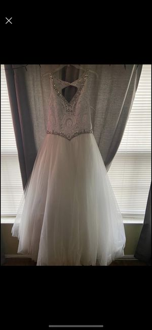 Gorgeous Elegant White Gown for Sale in Jackson Township, NJ