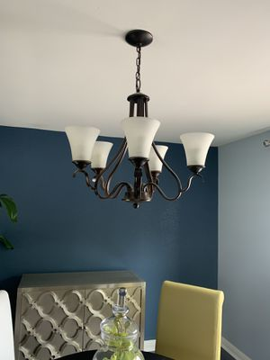Traditional chandelier bronze for Sale in West Bloomfield Township, MI