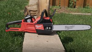 Milwaukee chainsaw for Sale in Bloomington, IL