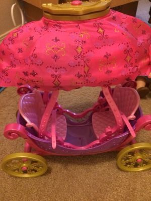 Barbie and the Three Musketeers Hot Air Balloon 2-in-1 Carriage for Sale in West Richland, WA