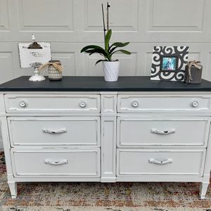 Drexel Solid Wood White & Grey Distressed 7 Drawer Dresser W/ Hidden Drawer! for Sale in Sarasota, FL
