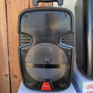 """8""""WOOFER-2800 WATTS/Bluetooth-Fm radio ( SPEAKER STAND INCLUDED ) ( MICROPHONE & CONTROL for KARAOKE ! ) (3-6 HOURS BATTERY LIFE-PORTABLE) MEMORY SLO for Sale in Baldwin Park, CA"""