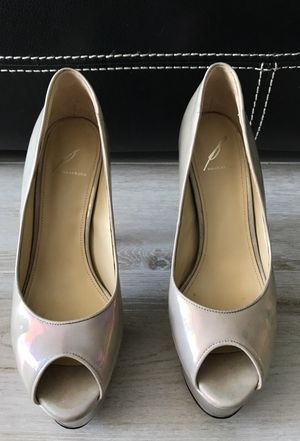 Womens high heels shoes. Brian Atwood. Size 8/12. Used only once. Beige patent. Mint condition for Sale in Miami, FL