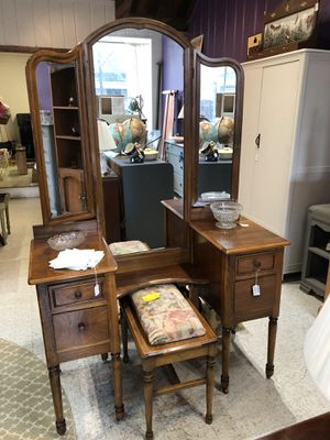 Vintage wood vanity with stool for Sale in Frederick, MD