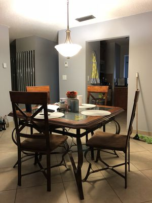 Dining Room Table for Sale in Hialeah, FL